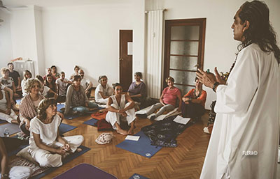 Yoga Le Nuvole - Incontro con Dr. Omamand (Paramanand Institute of Yoga - Indore).