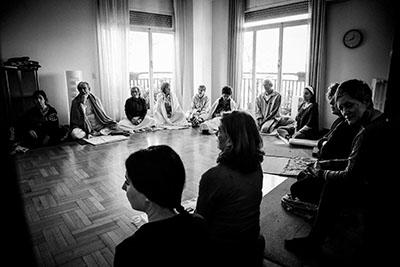Yoga Le Nuvole - Seminario pranayama - Cantando
